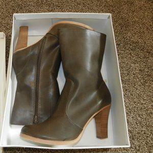 Brown Dress Heel Boots 9 NIB